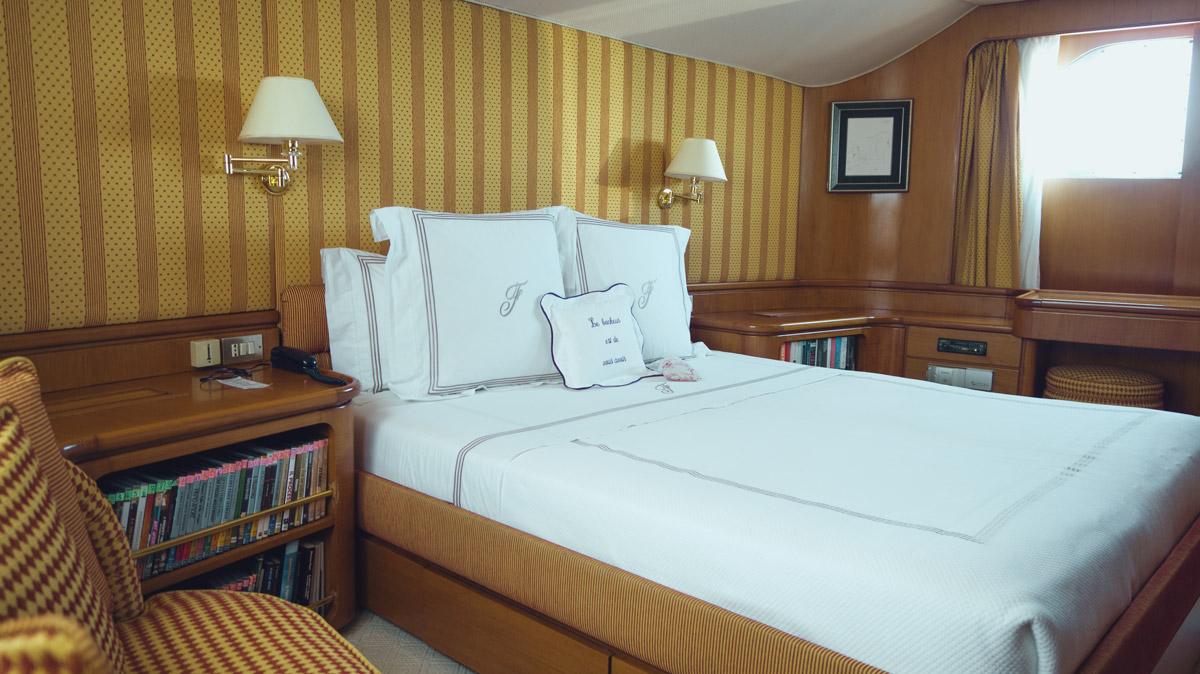 M/Y Freemont interior master cabin