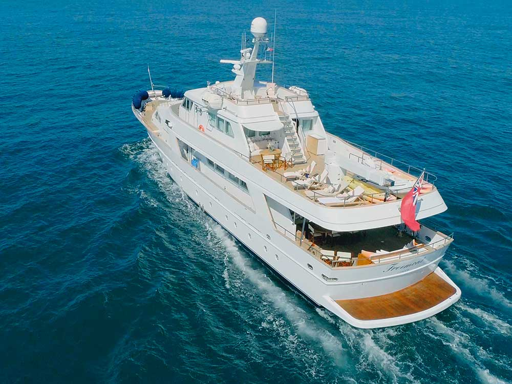freemont motoryacht for sale equinoxe international