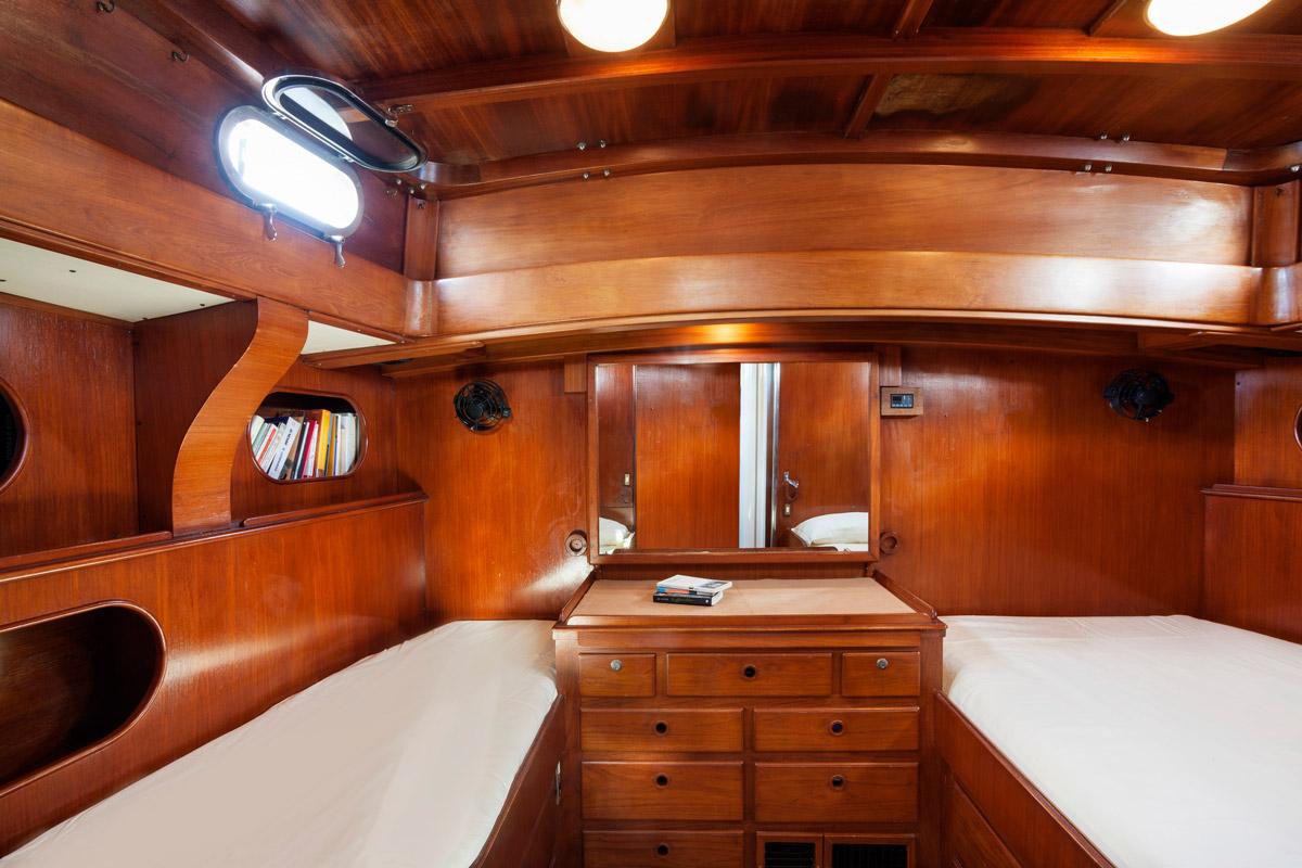 Oliria twin cabin