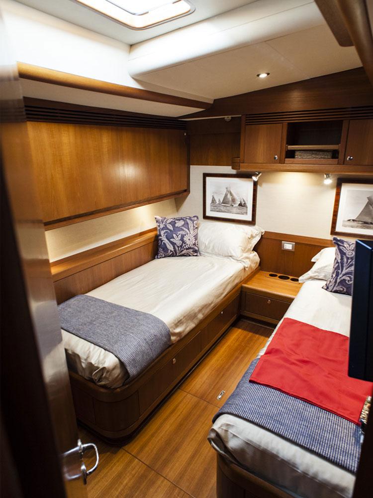 skip n bou yacht twin cabin