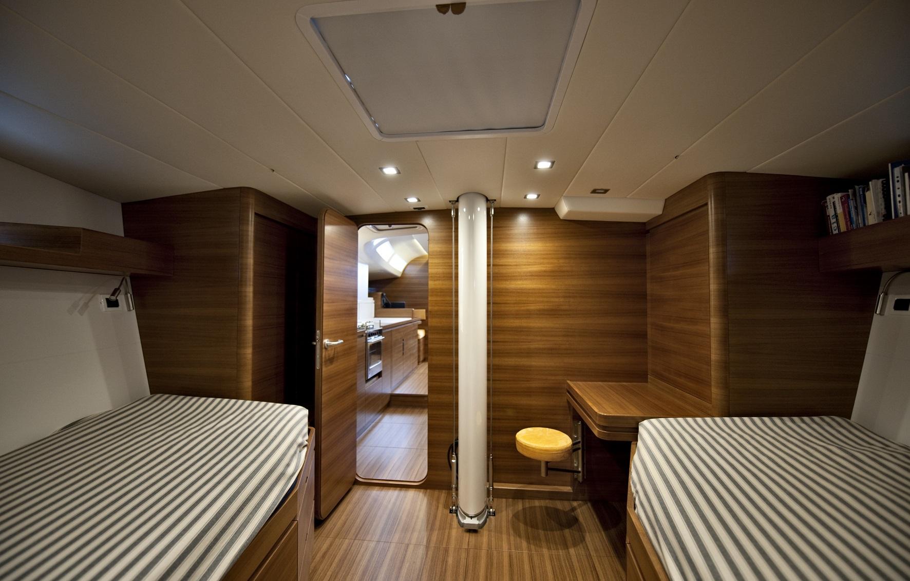 Almabrada yacht sale guest cabin