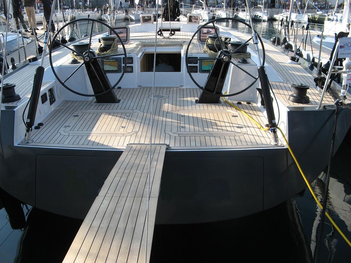 Felci71 black koala yacht2000
