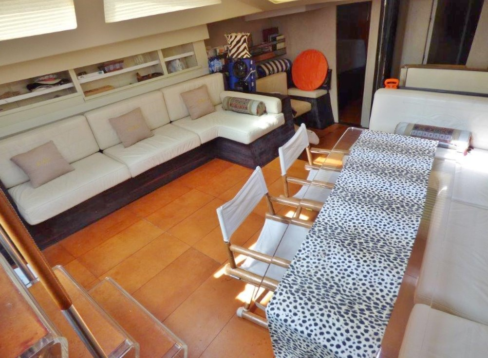 Felci 80 yacht for sale interior area