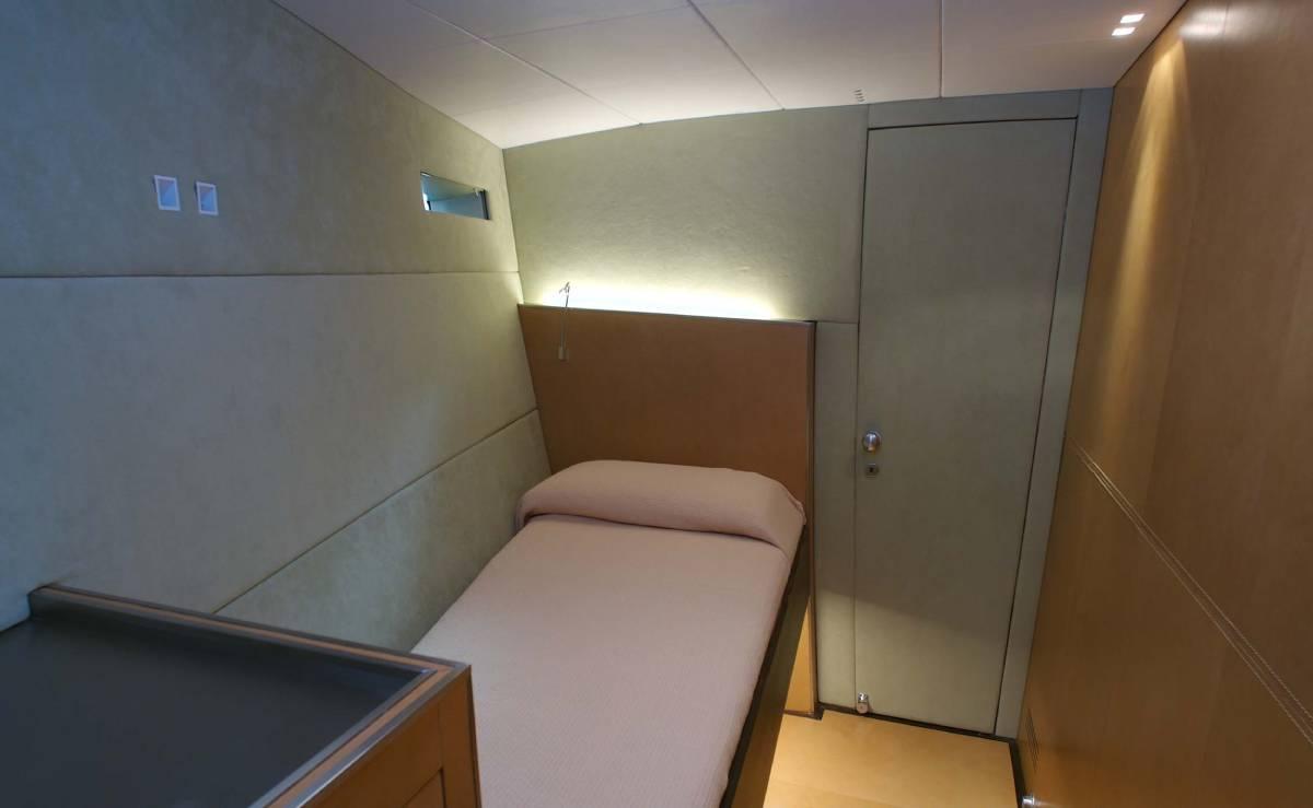 Ikaika Felci 80 cabin