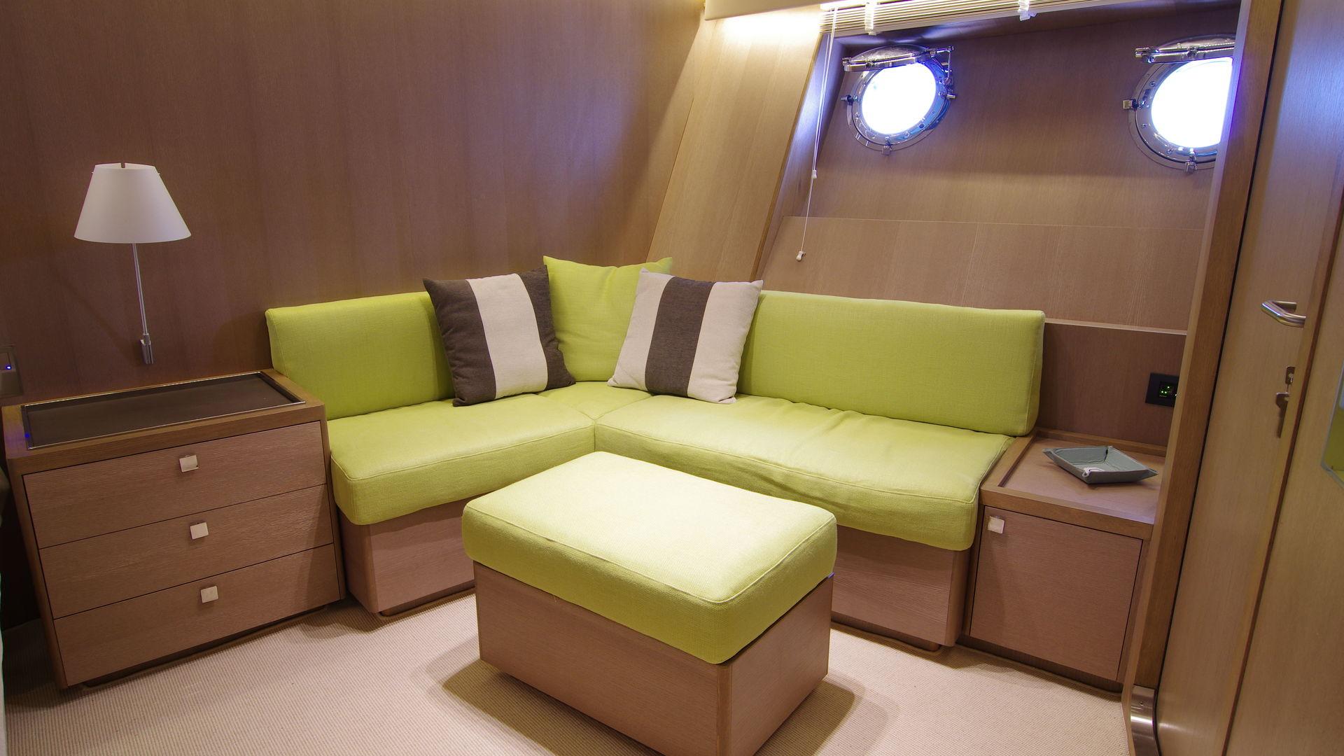 renaissance yacht divano