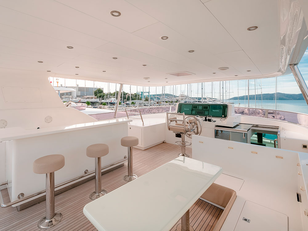 virgin gold motor yacht wheelhouse