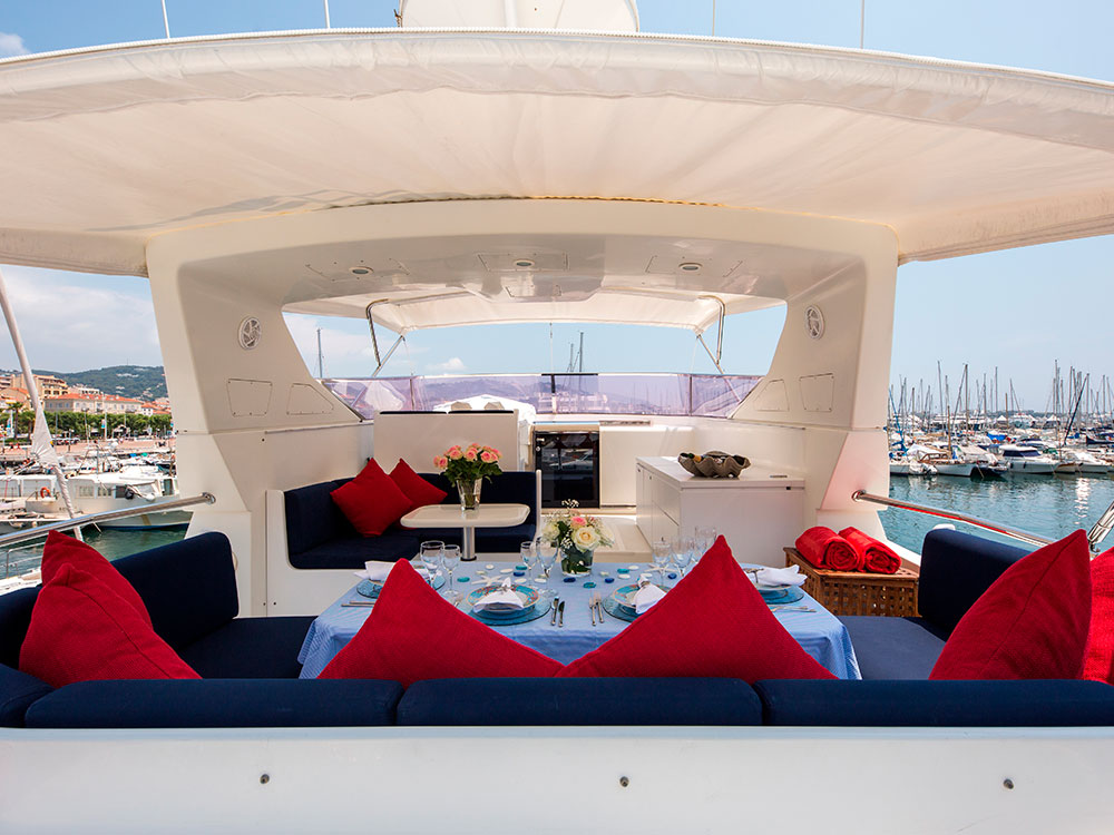indulgence of poole yacht for sale_cockpit