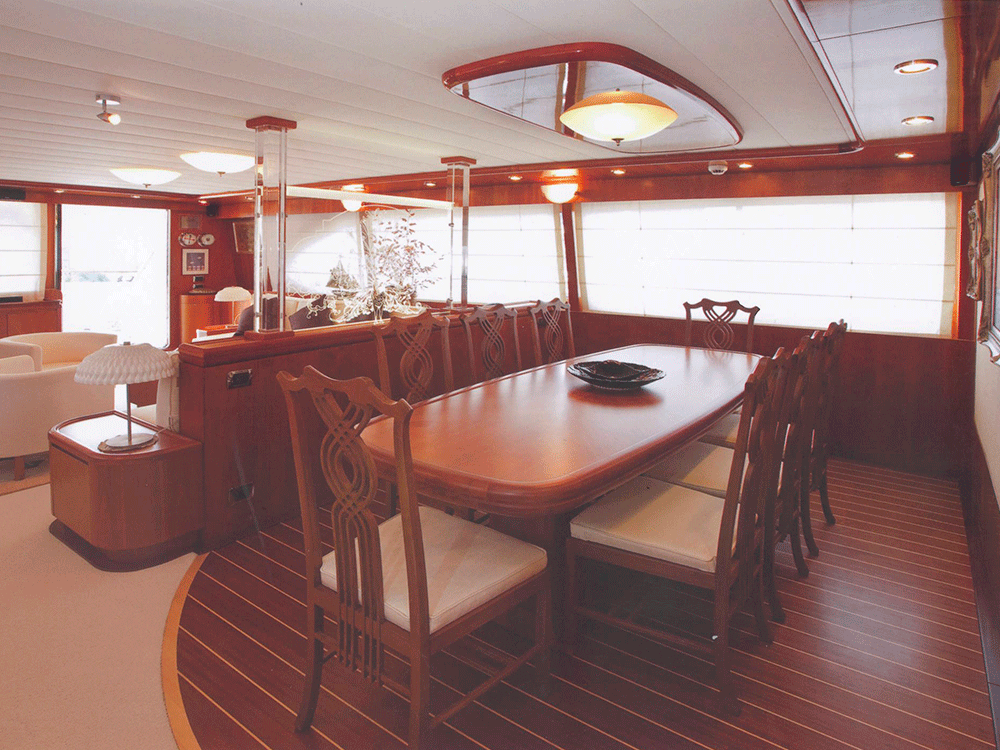 giava motoryacht for sale dining area