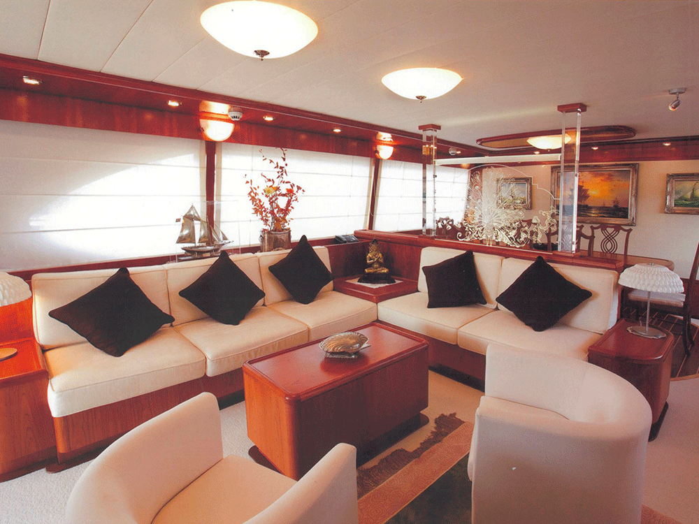 giava motoryacht for sale salon