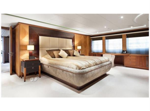 let it be yacht owner cabin