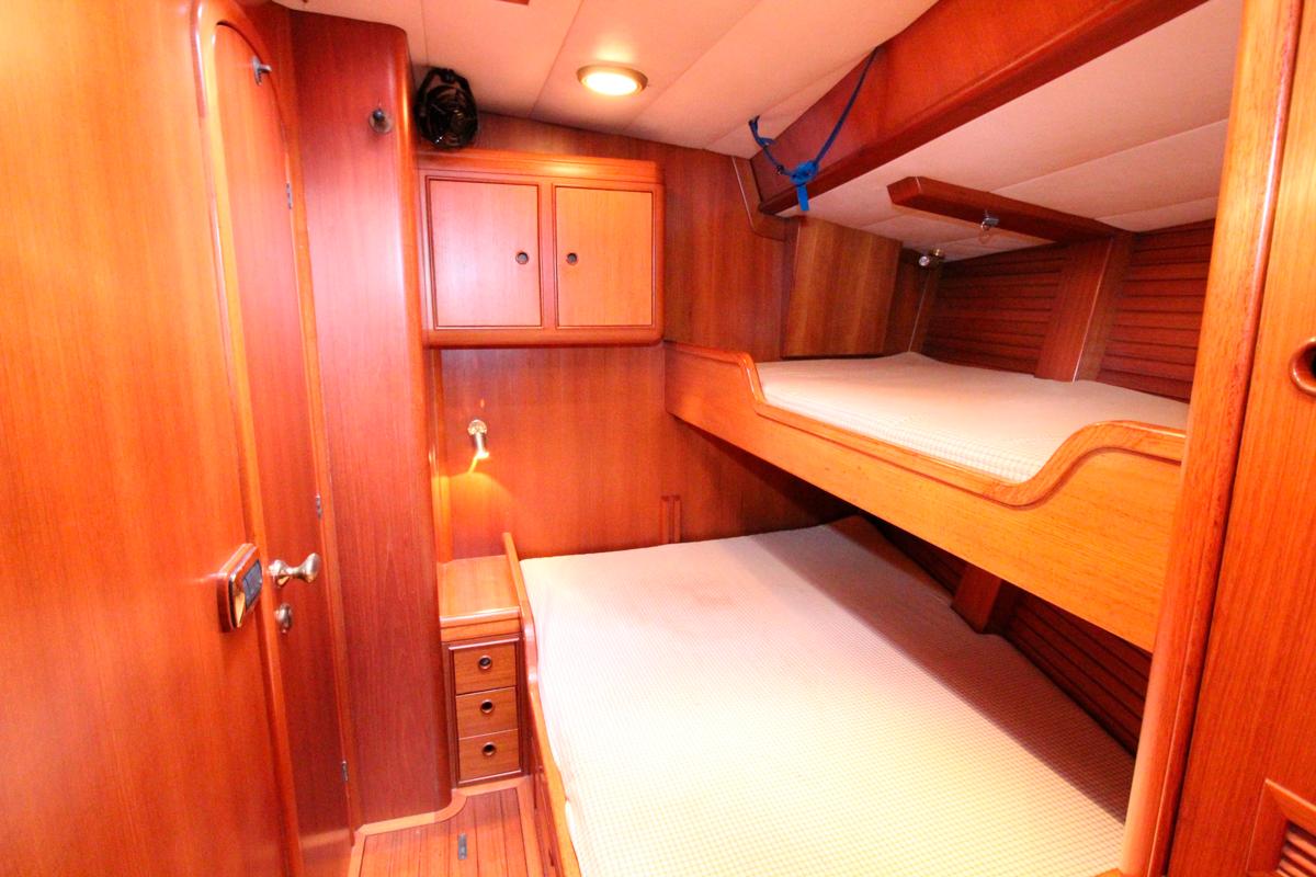 solaris 72 kamana guests cabin