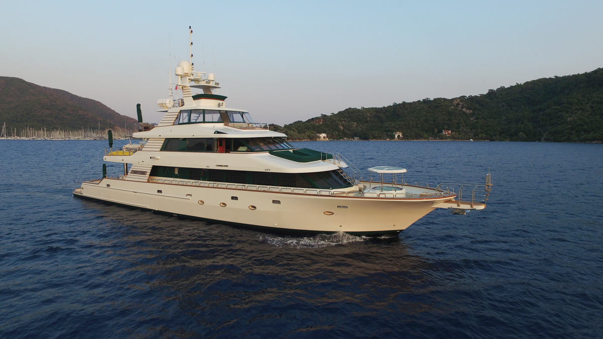 forty love yacht