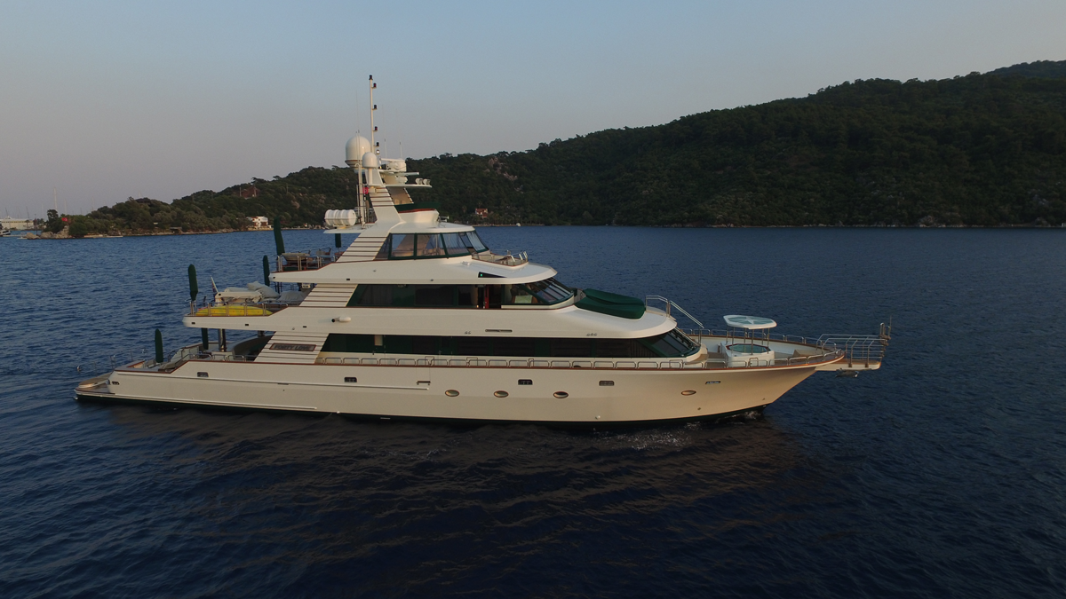 forty love yacht sale