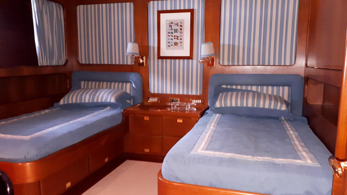 piropo iv twin cabin