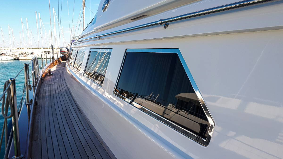 Piropo IV yacht exterior