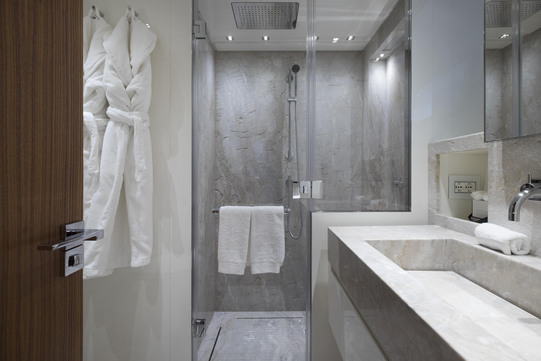 SL 106.644 bathroom