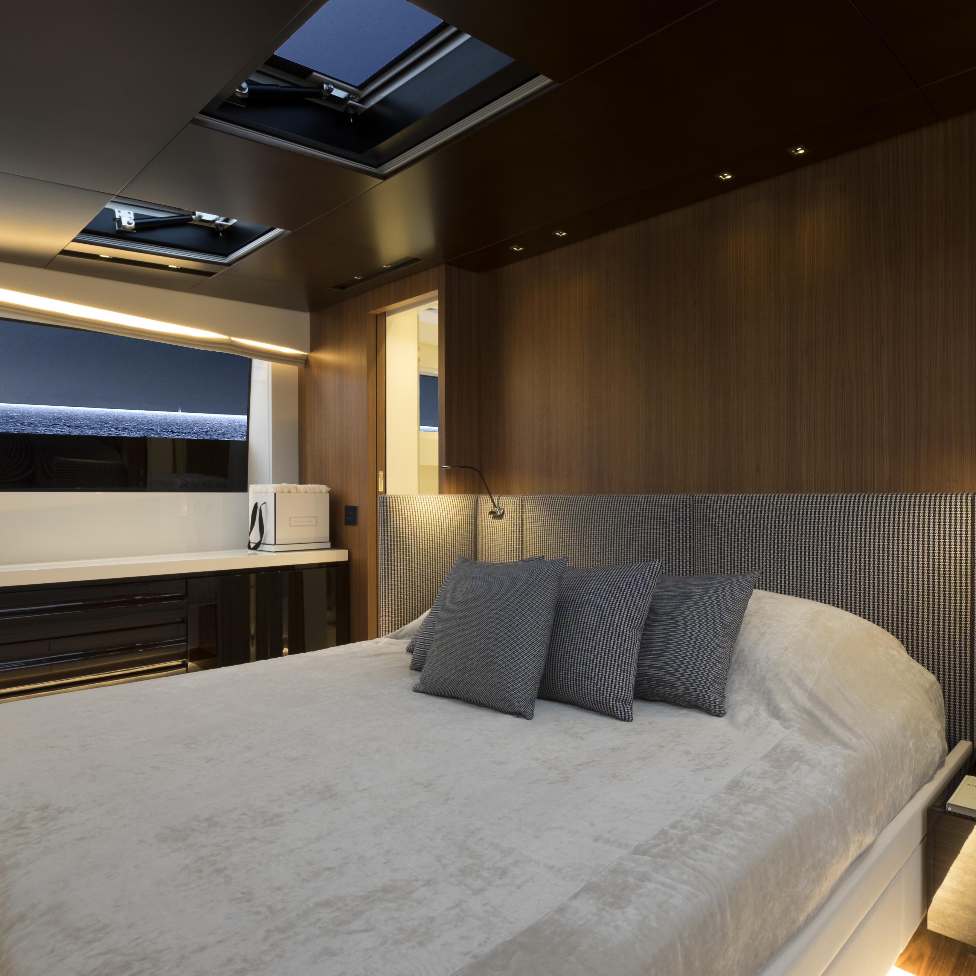 SL 106.644 cabin