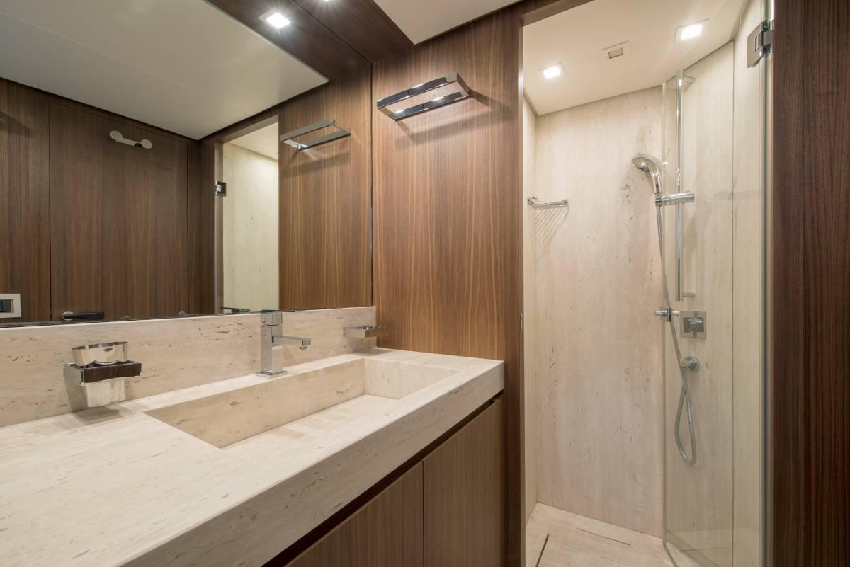 SL 82.548 bathroom