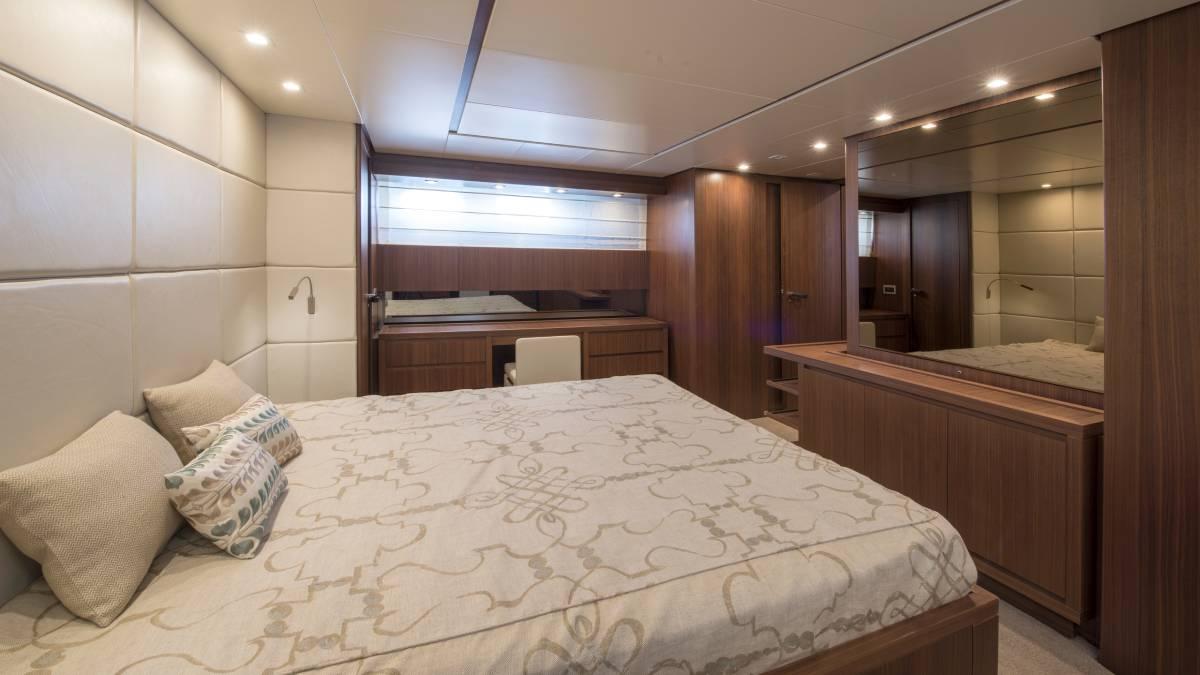 SL 82.548 cabin detail