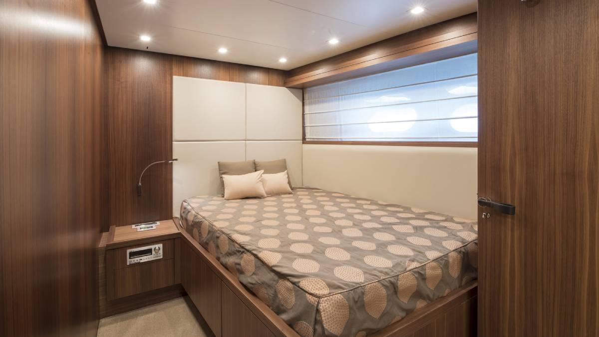 SL 82.548 cabin