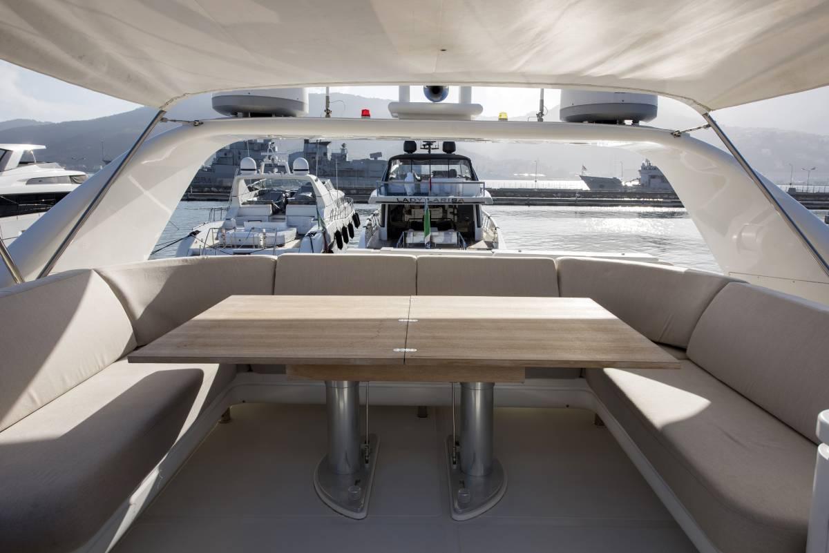 SL 82.548 exterior table