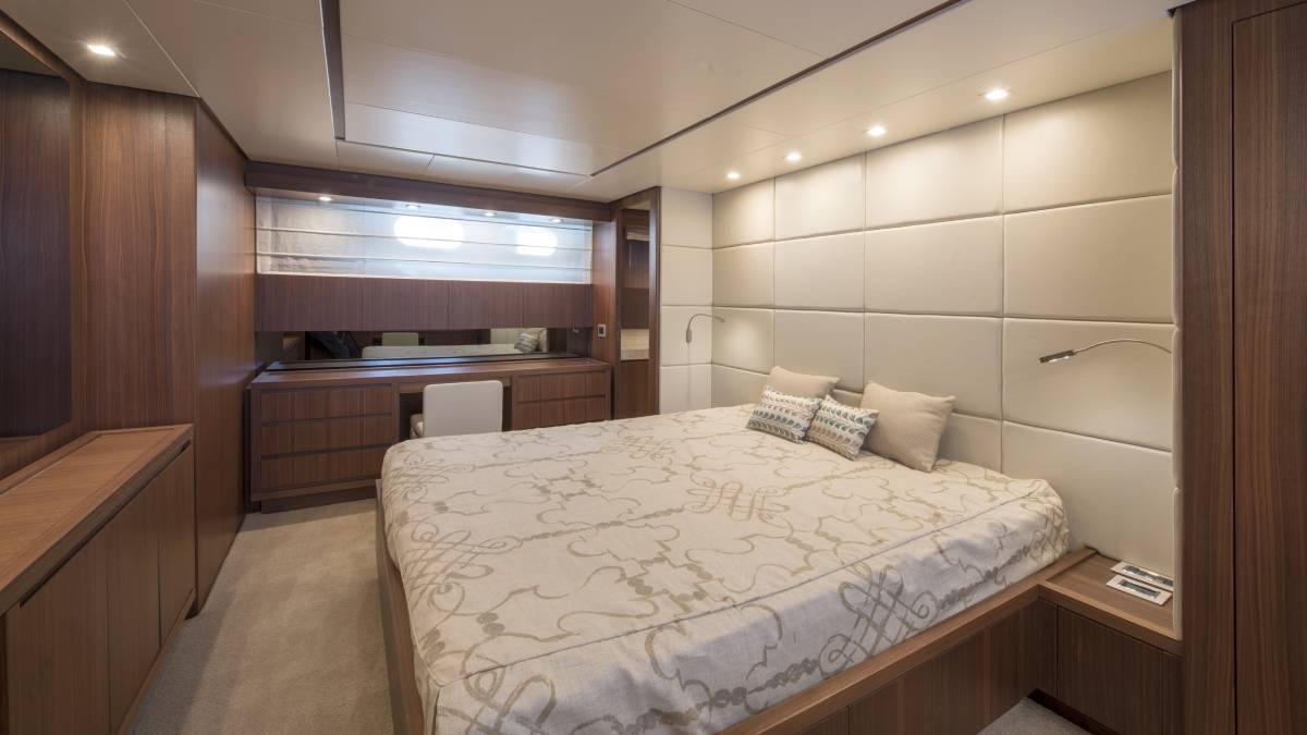 SL 82.548 master cabin