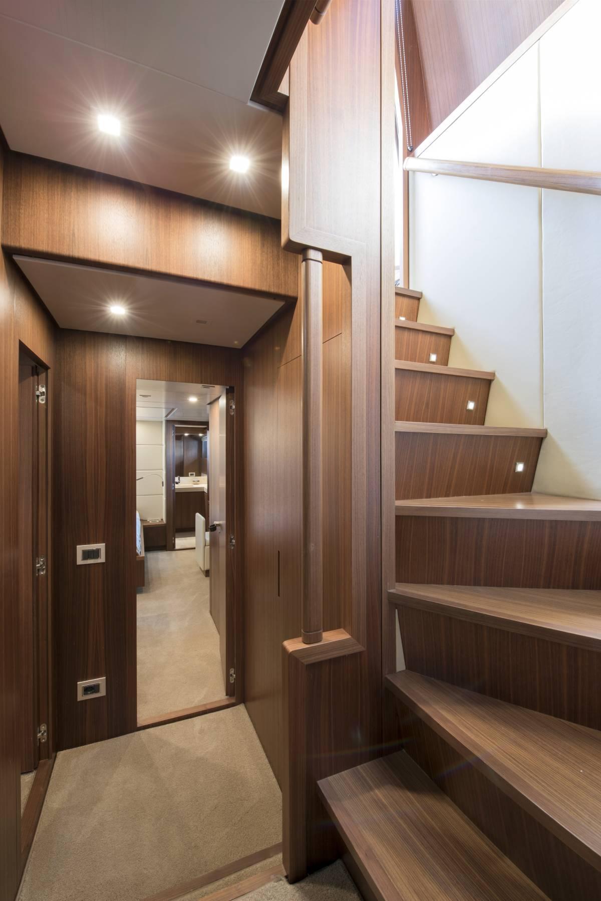 SL 82.548 staircase
