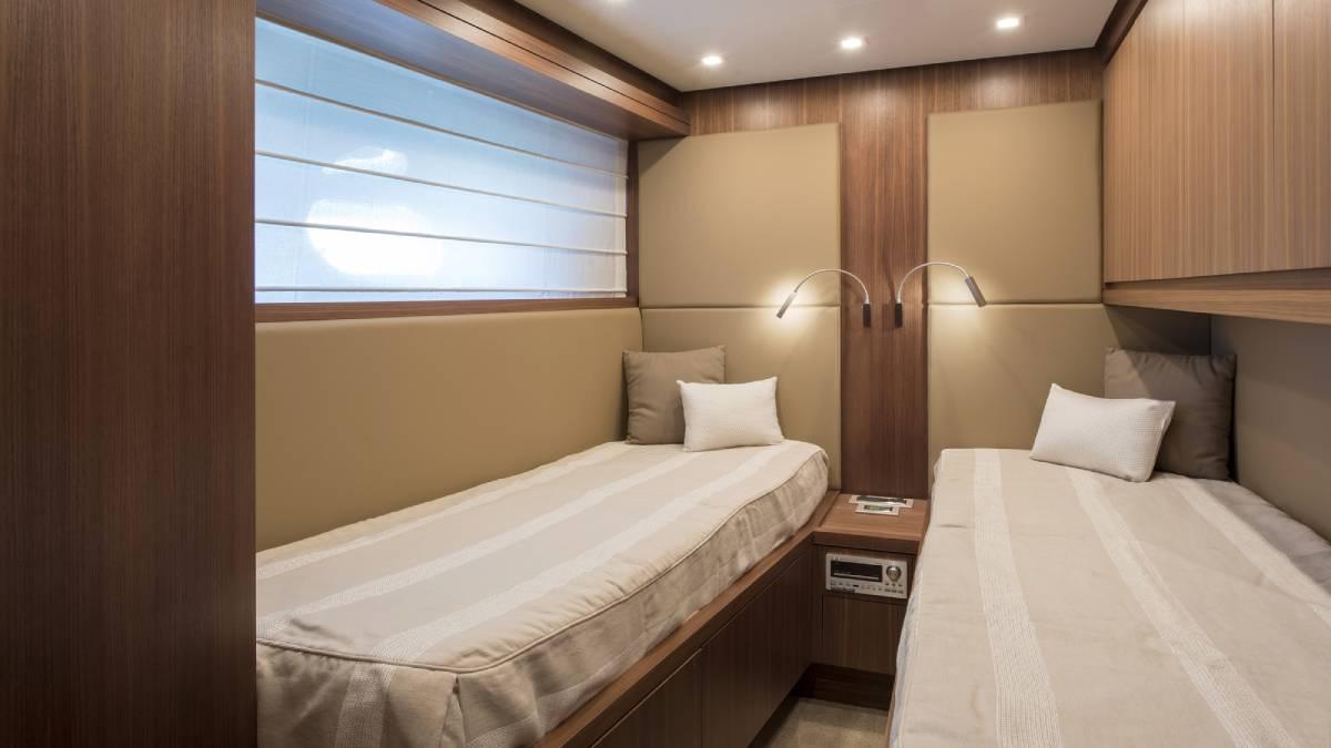 SL 82.548 twin cabin
