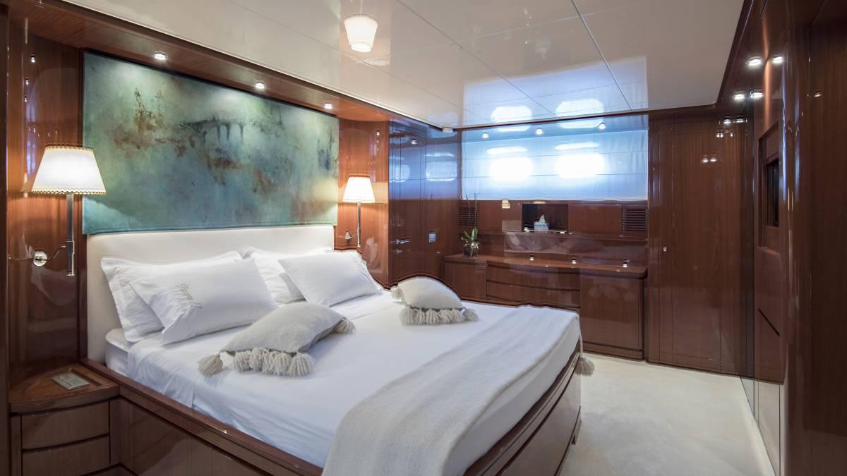 SL 88.433 master cabin