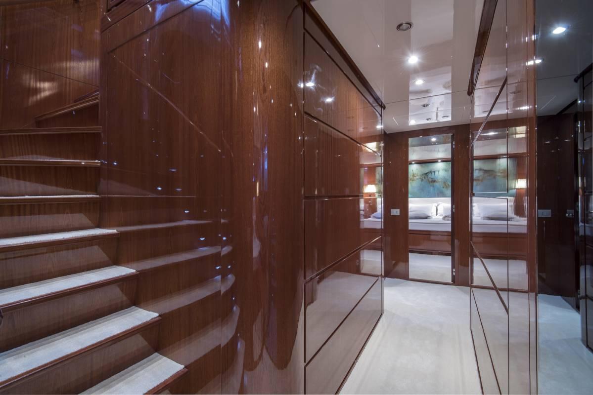 SL 88.433 staircase