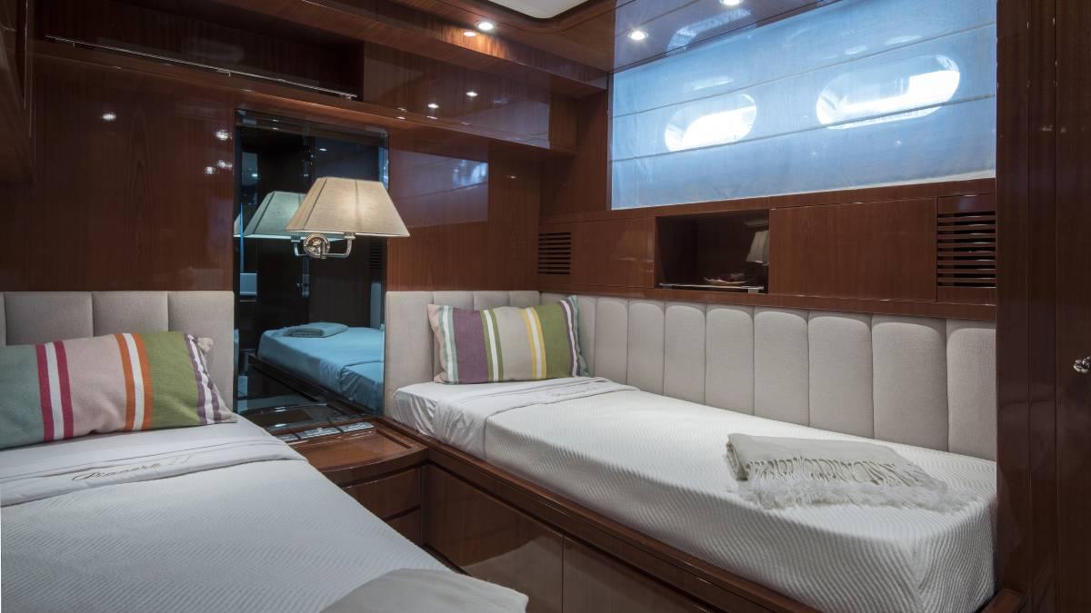 SL 88.433 twin cabin