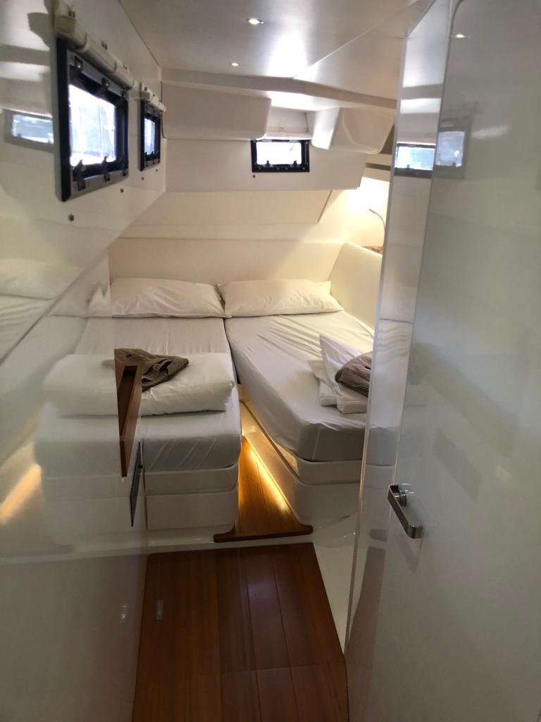 sud yacht cabin