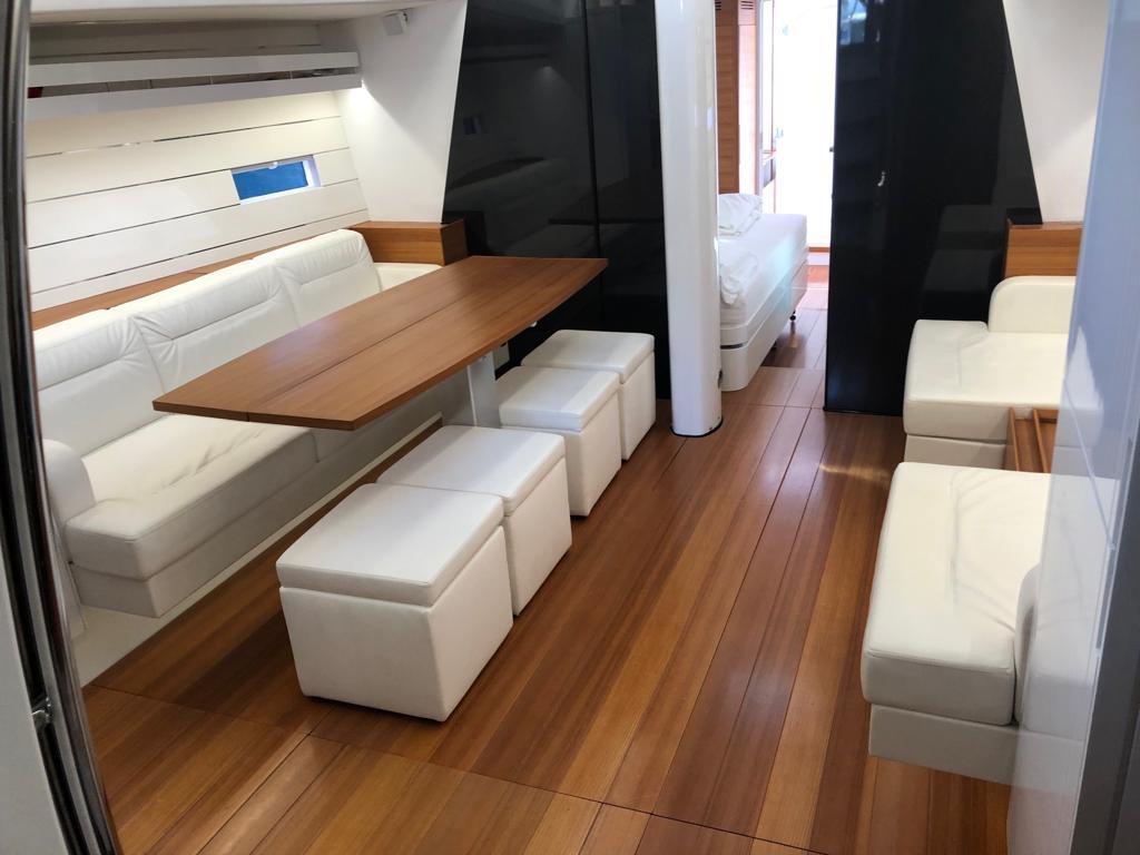 sud yacht interior