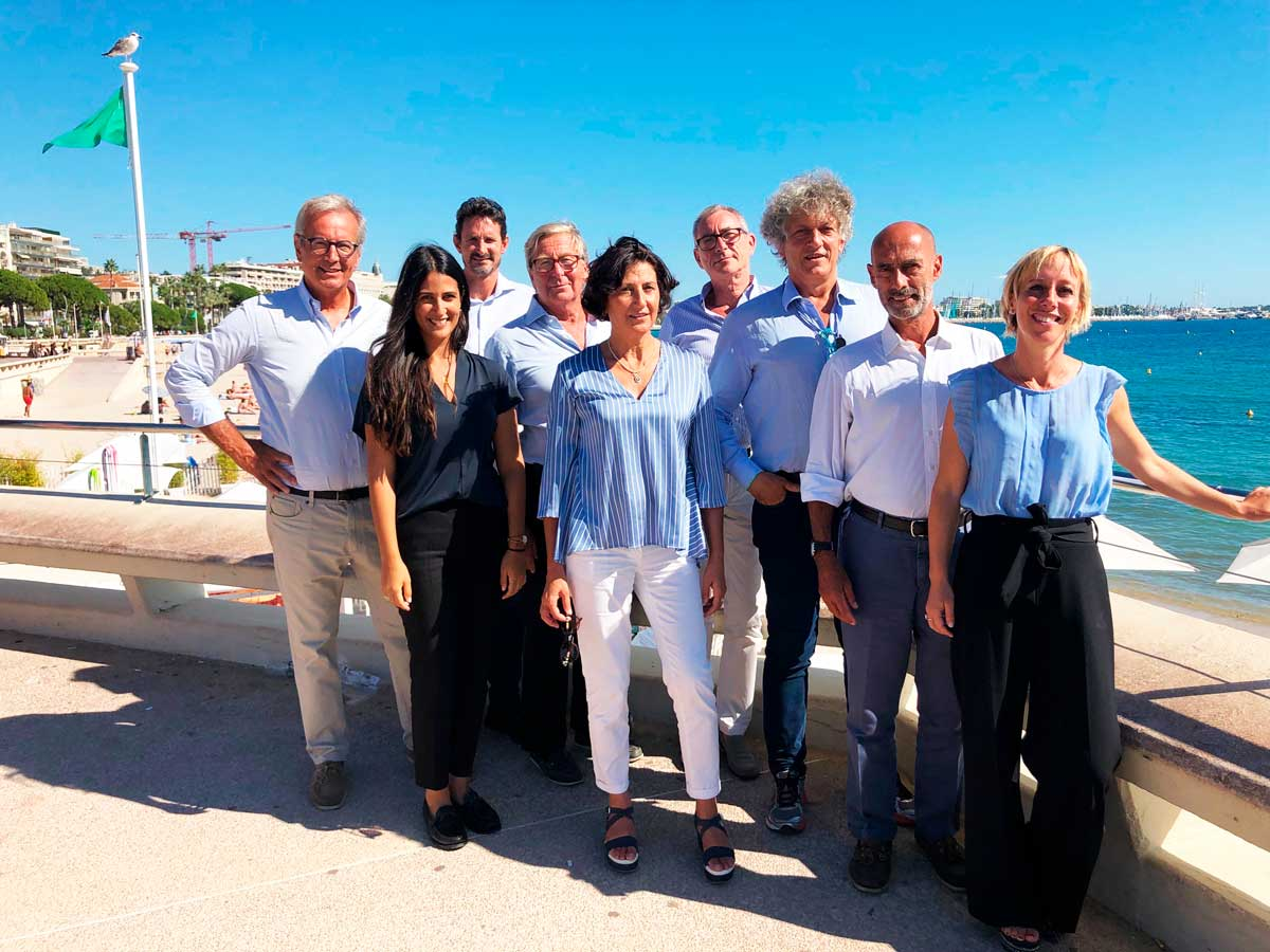 equinoxe yachs international team