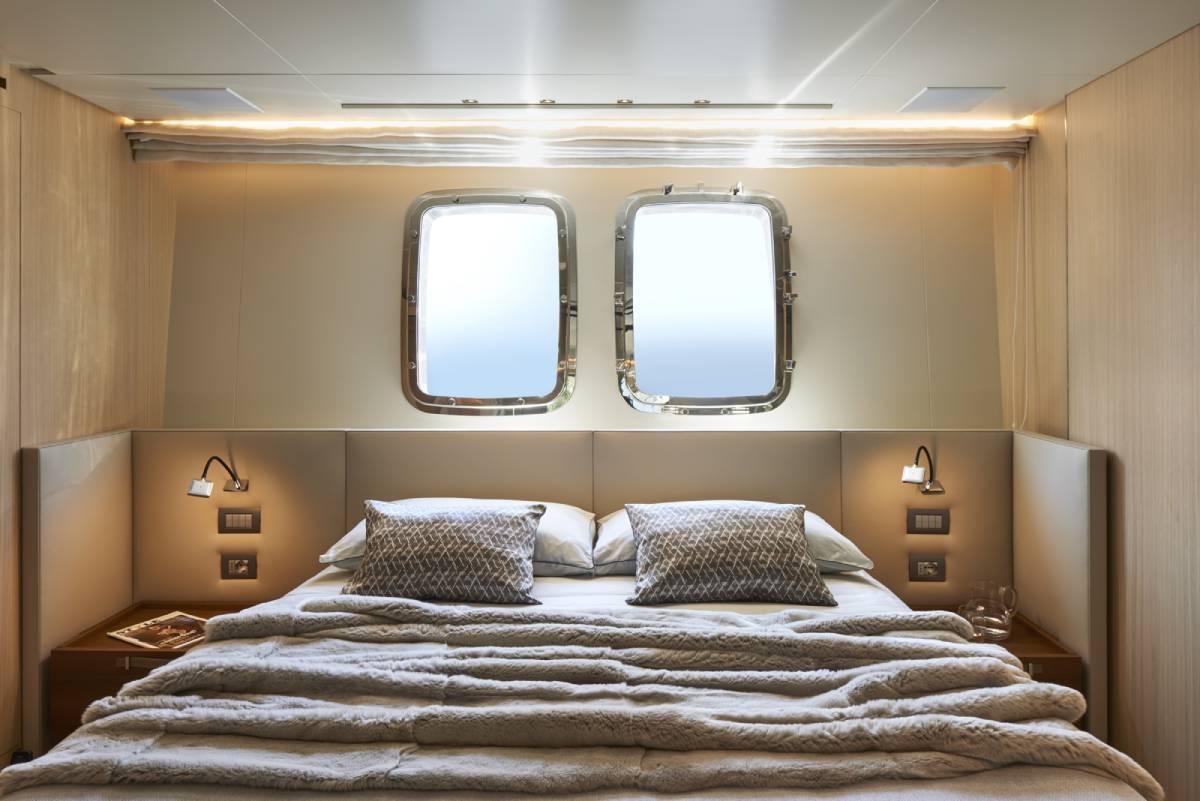 SL106.642_Sanlorenzo_Guest_cabin