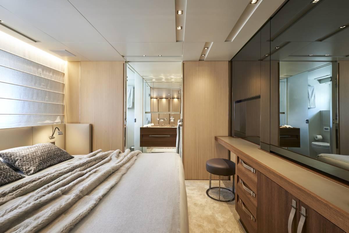 SL106.642_Sanlorenzo_VIP_cabin