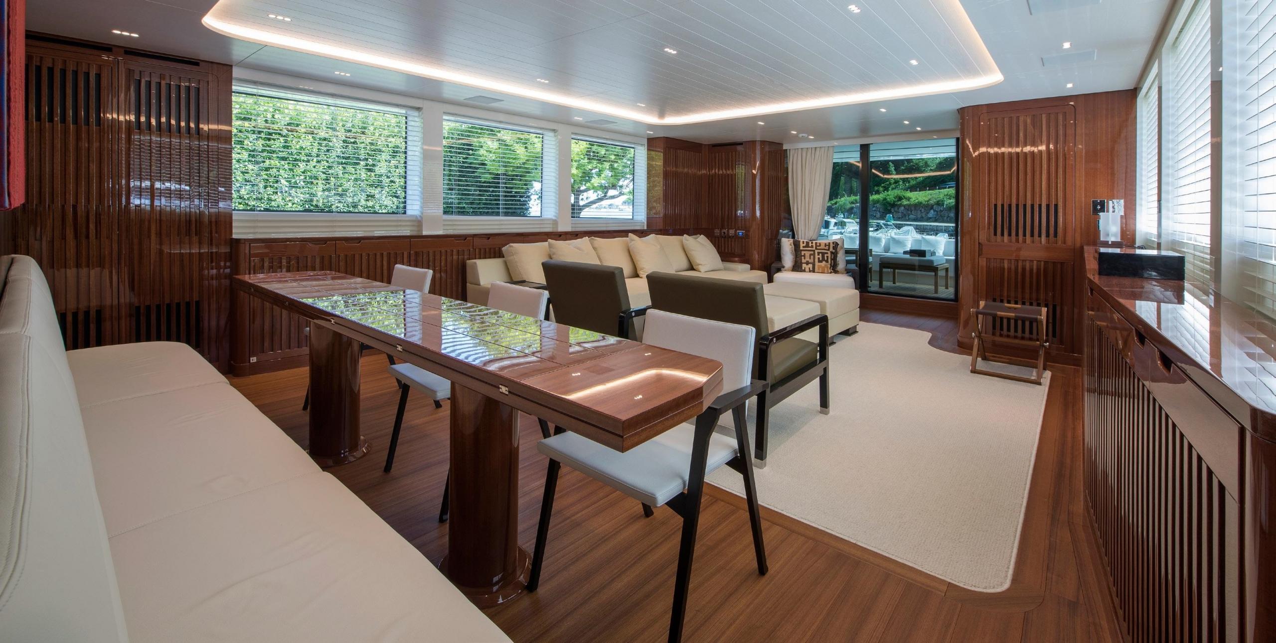 SL96.635_Penta_interior_lounge_area