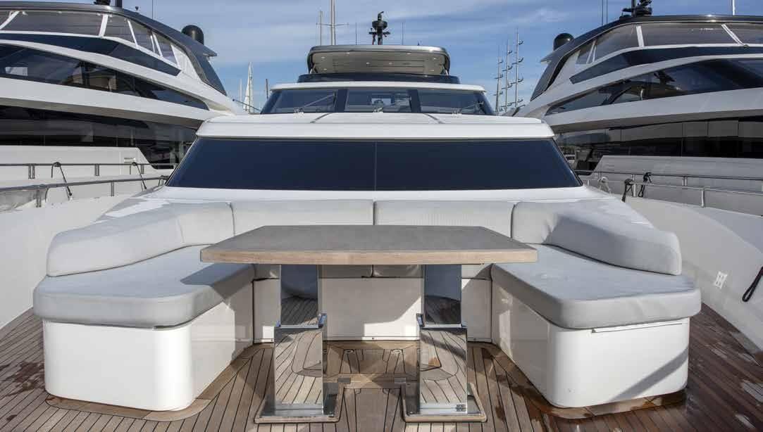 SL96.684_Sanlorenzo_yacht_bow