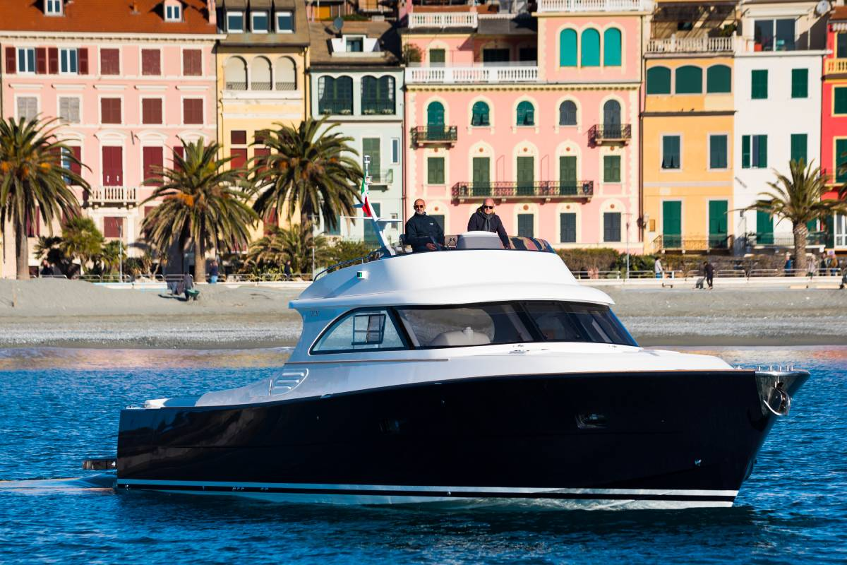toy 51 fly yacht