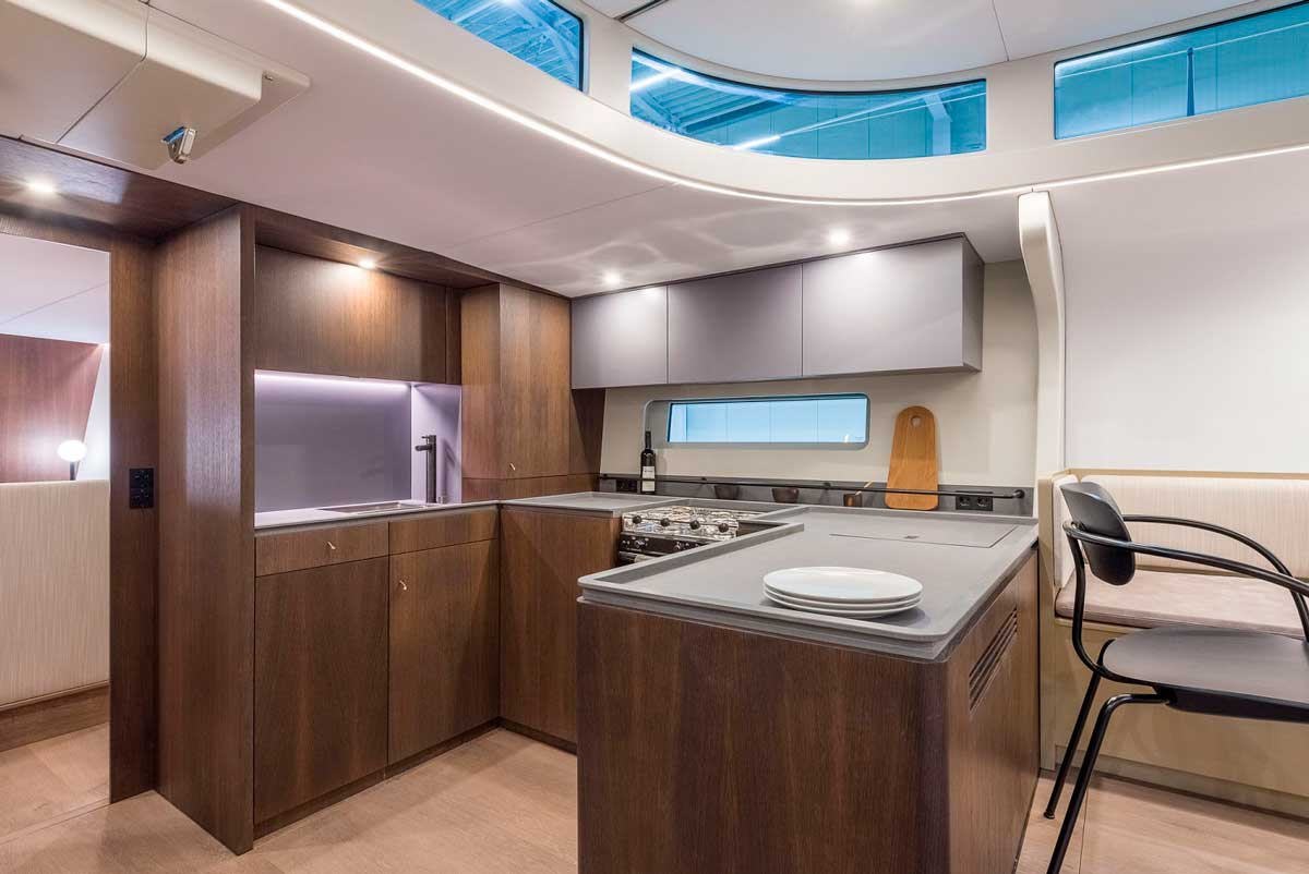 Y7.010 Michael Schmidt yacht galley