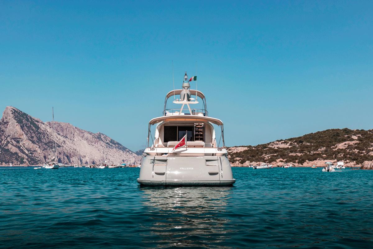 mochi 64 yacht sale