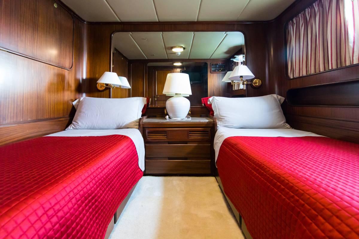 India Benetti double cabin