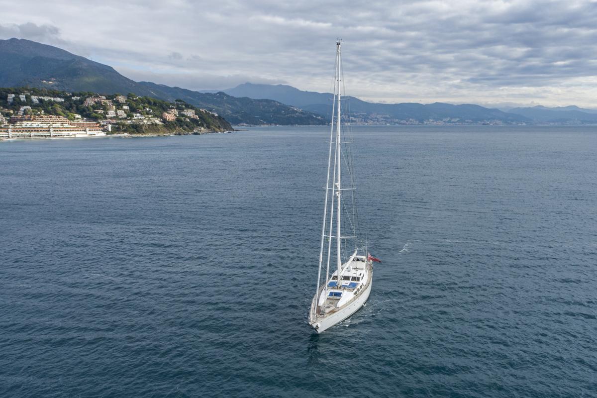 electa yacht