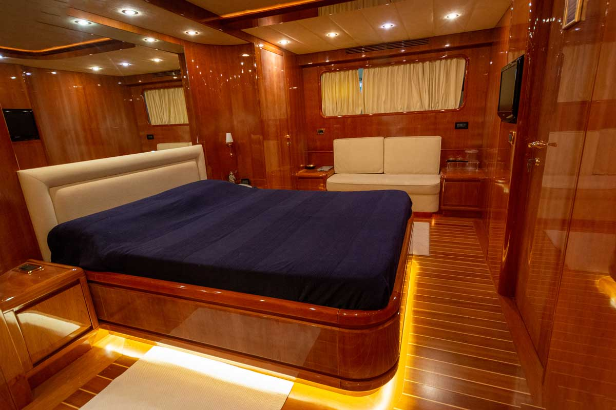 ariston five owner cabin