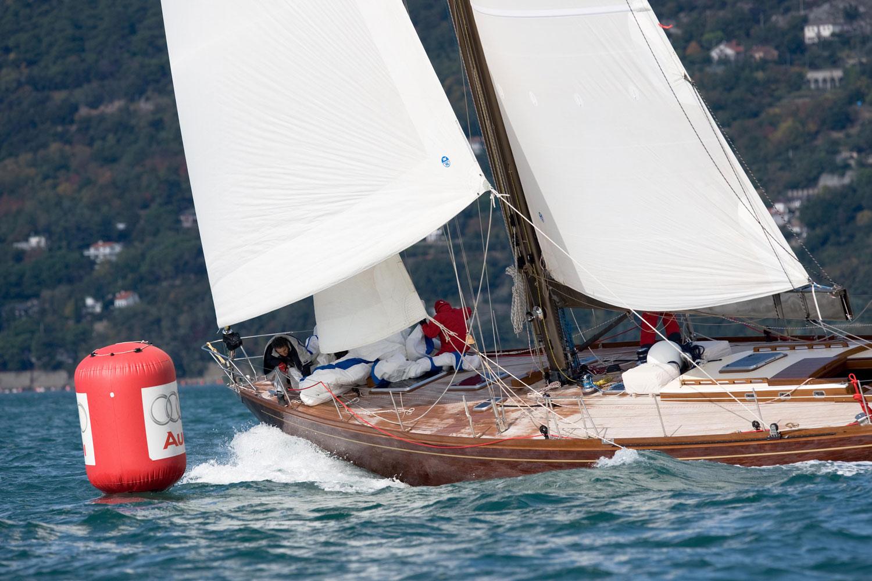 clan 2 classic sailing yacht