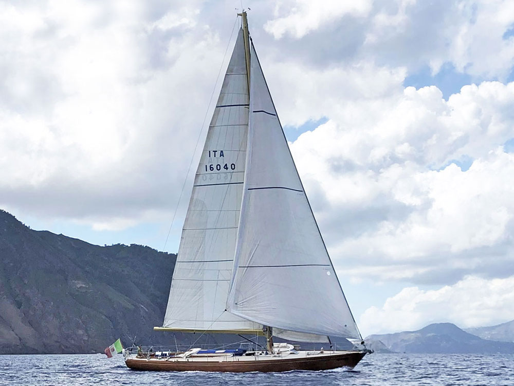 classic sailing ycaht clan 2 for sale